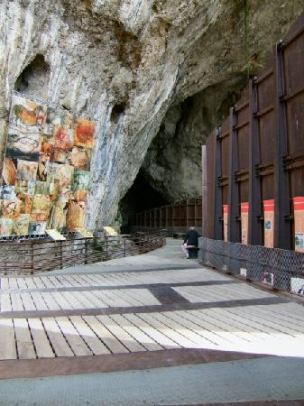 Tarascon-sur-Ariege, Франция: Viewing platform, Grotte de Niaux