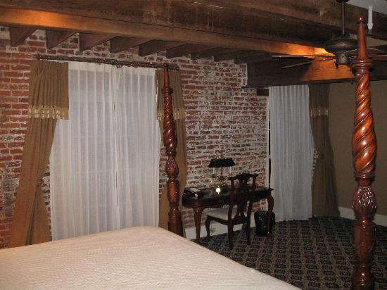 Dunleith: loved the exposed brick walls and ceiling beams - very cozy