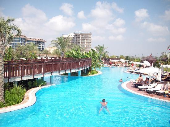 Liberty Hotels Lara: poolside
