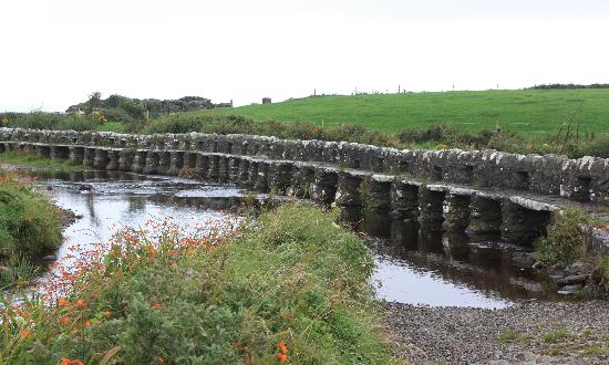 Westport, İrlanda: Ireland: co. Mayo - Clew Bay Trail 14 - The Clapper Bridge