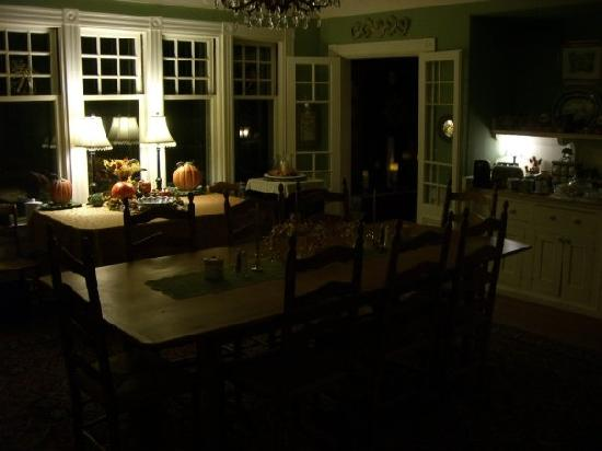 Inn at Tanglewood Hall: Beautiful dining room