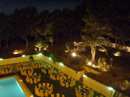 Grand Hotel Dei Templi: ristorante in piscina dalla mia camera