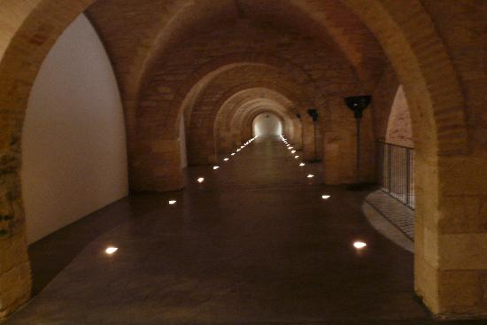 CAPC Musee d'Art Contemporain : The building