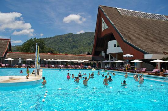 Club Med Phuket: Pool games