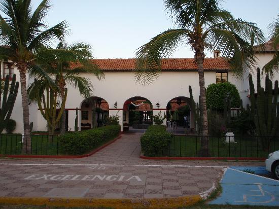 Hotel Playa de Cortes: ホテルの入り口