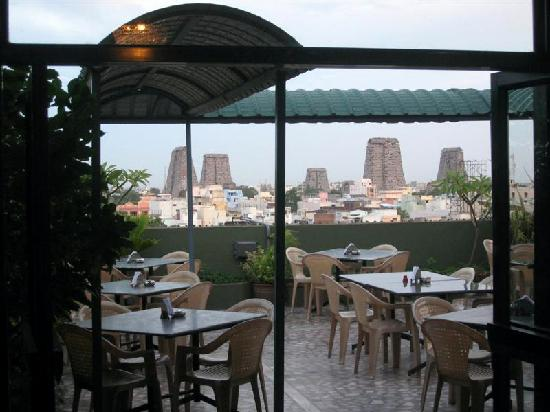 Hotel Park Plaza: Great view from the nice rooftop restaurant