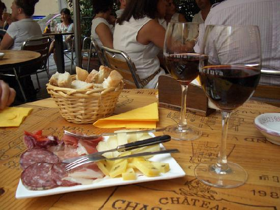 A perfect snack for two - Picture of Soggiorno Rondinelli, Florence ...