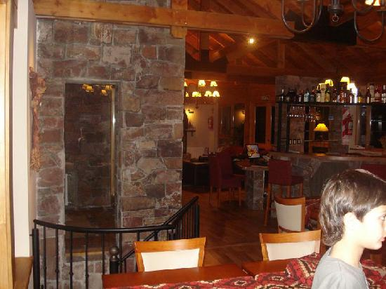 Antuquelen Hosteria Patagonica: Desayunando en la hostería