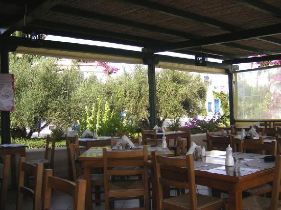 Paladien moklos resort mochlos gr ce voir les tarifs for Restaurant jardin 92