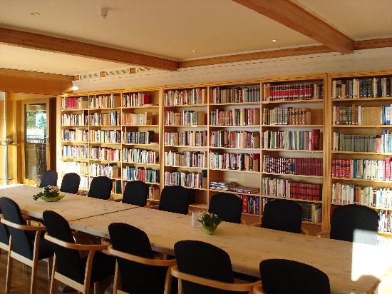 Voksenasen Hotel AS: Sala biblioteca
