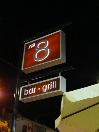 No.8 Bar & Grill: No 8 Bar & Grill