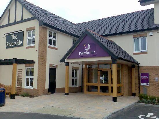 Premier Inn Coleraine Hotel : Entrance To Hotel