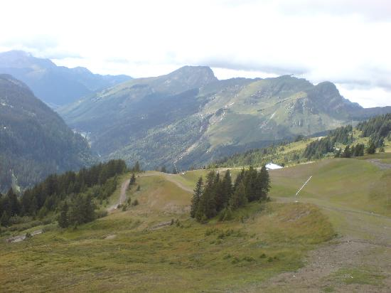 More Mountain - Chalet Robin : put your bike on the chair lift ride down simple!!!