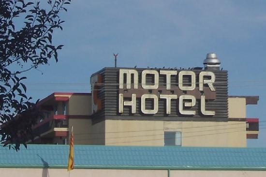 Town & Country Motor Hotel : Town and Country Sign on Top (1)