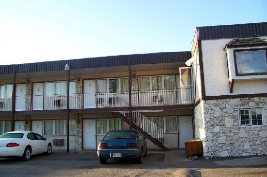 Coachman Inn Motel : Coachman Motor Inn - showing Rooms