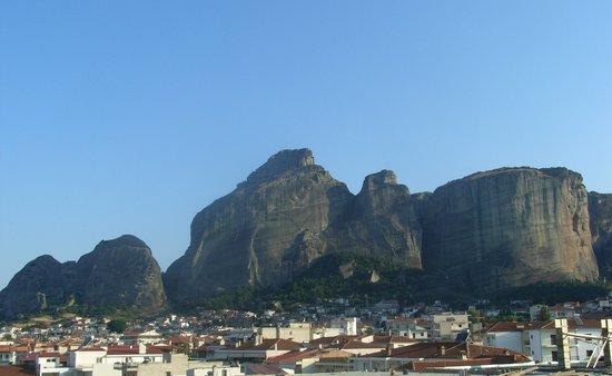 Kalambaka, Greece: メテオラのホテル屋上から