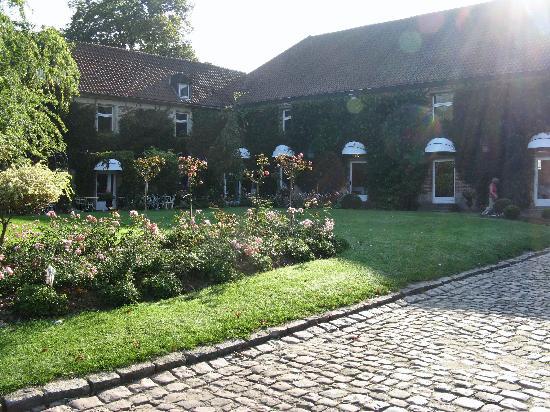 La Gentilhommiere : Courtyard
