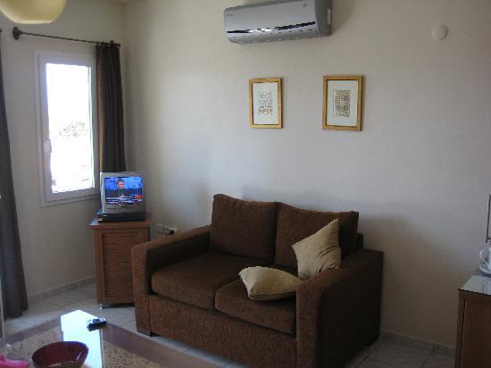 Aegean Gate Hotel: Living Room