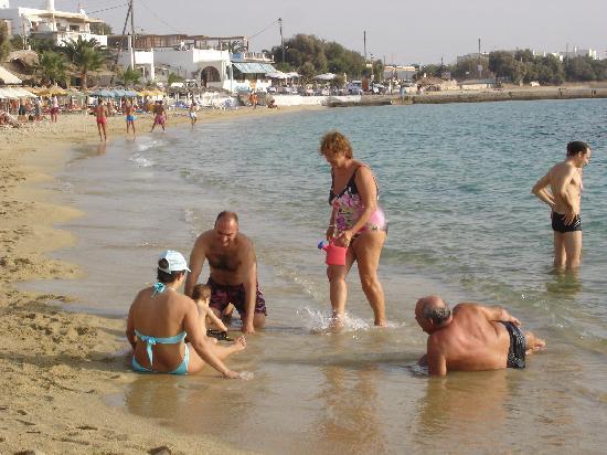 Castello Studios: Unsere Gastfamilie am Strand - ein schönes und seltenes Bild