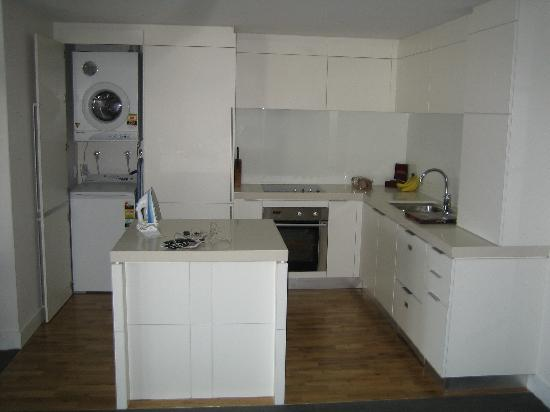 Kitchen And Hidden Laundry Picture Of Oaks Club Resort Queenstown Tripadvisor