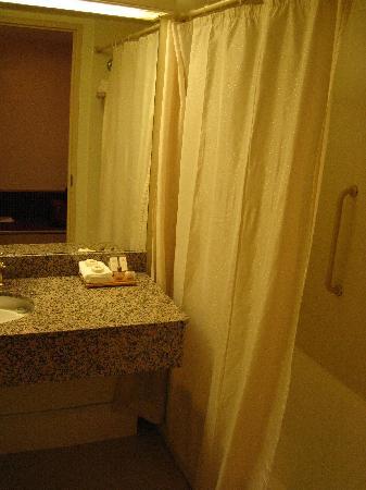 Hotel Grand Chancellor Launceston: Bathroom