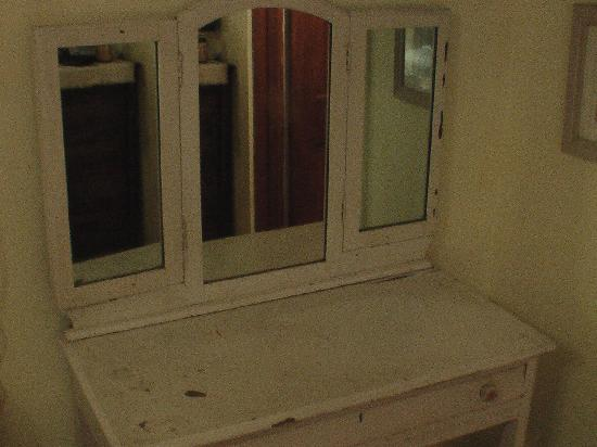 Lake Ripley Lodge Bed & Breakfast : Corner unit