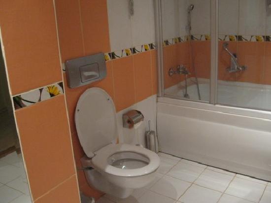 My Home Resort Hotel: Bathroom