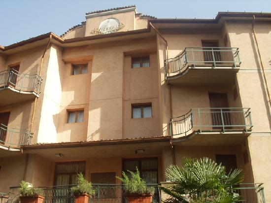 Hotel La Meridiana : Front face of hotel