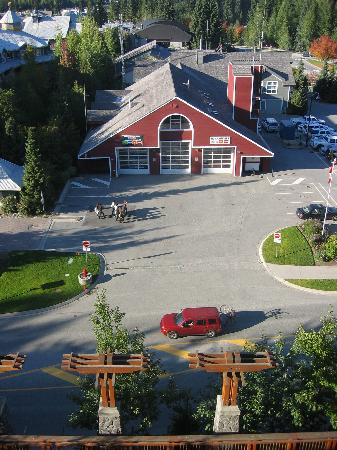 Pan Pacific Whistler Village Centre : view at road and fire station 7712