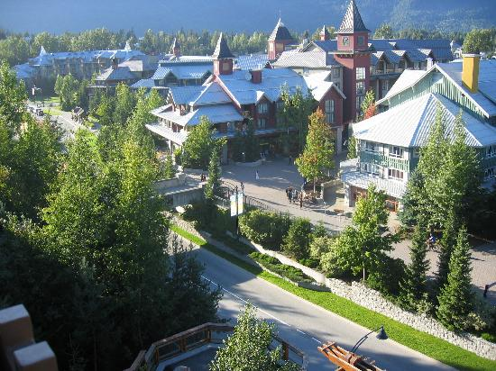 Pan Pacific Whistler Village Centre : view to left from balcony 7712