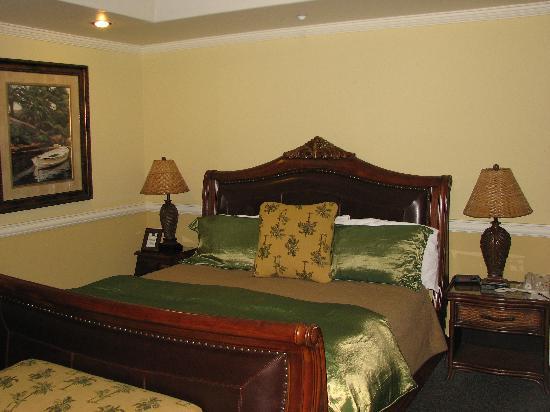 San Luis Creek Lodge: Plantation Room 626