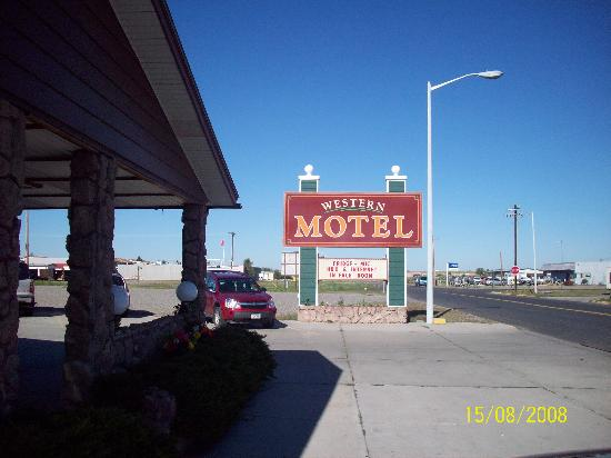 Hardin, MT : The Western Motel