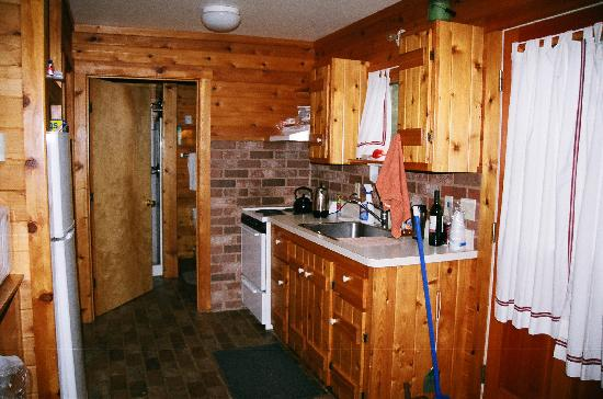 Prospect Point Cottages - Blue Mountain Lake: Kitchen