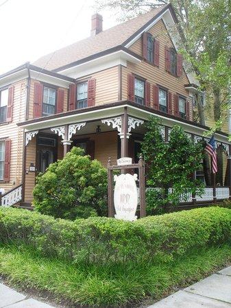 Henry Sawyer Inn 1