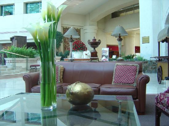 JW Marriott Hotel Quito: Otra vista del Lobby