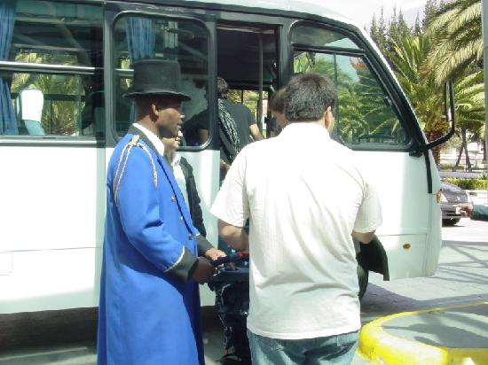 JW Marriott Hotel Quito: El portero sumamente colaborador