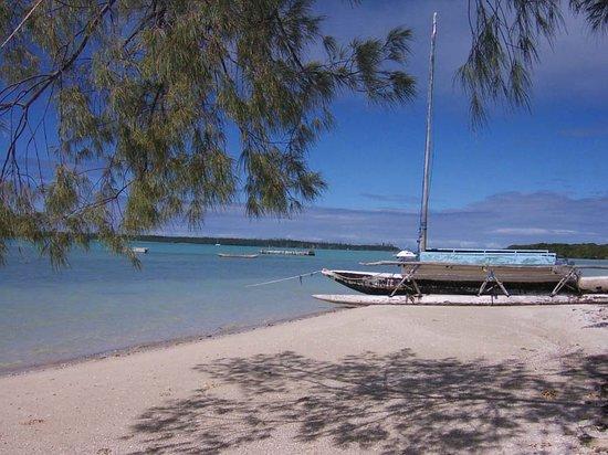 Oure Tera Beach Resort: イルデパンの砂浜。ヌーメアの砂浜とまったく違います。