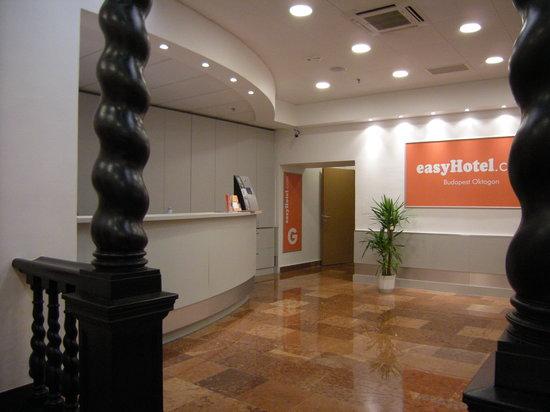 easyHotel Budapest Oktogon: HALL D'ENTRÉE