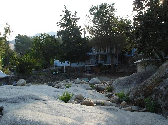 Rio Sierra Riverhouse: A view back of our room from the river