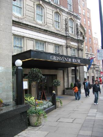 Grosvenor House, A JW Marriott Hotel: Hyde Park Entrance
