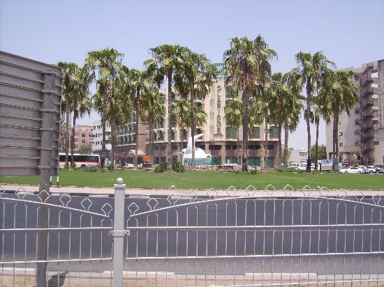 fish roundabout and the claridge hotel