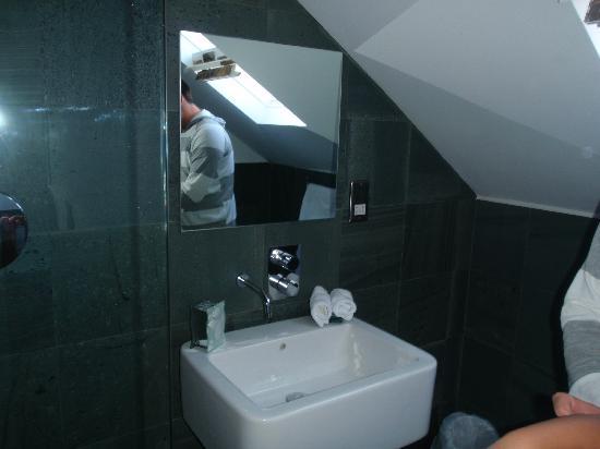The Rooms: Wet room