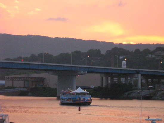 The Water Taxi and Fat Cat Ferry: Sunset behind the Fat Cat Ferry