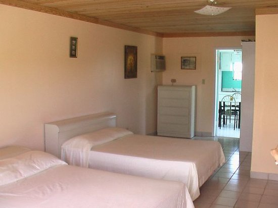 Little Exuma: One of the hotel style rooms