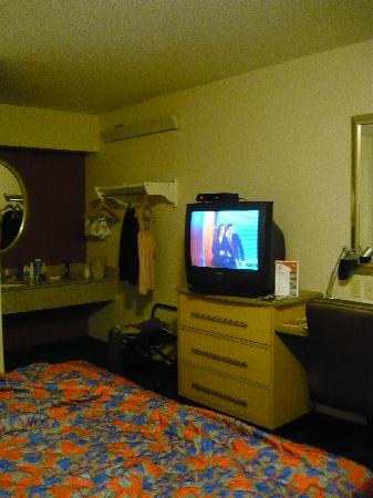 Red Roof Inn Cincinnati - Sharonville: The TV, sink, etc.