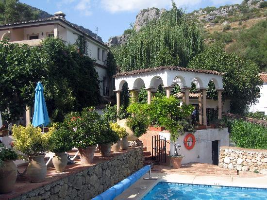 Molino del Santo: view of pool