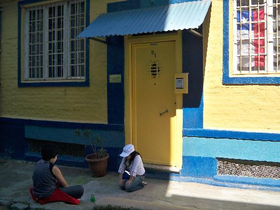 La Casa Amarilla: Capitan Muñoz Gamero 91