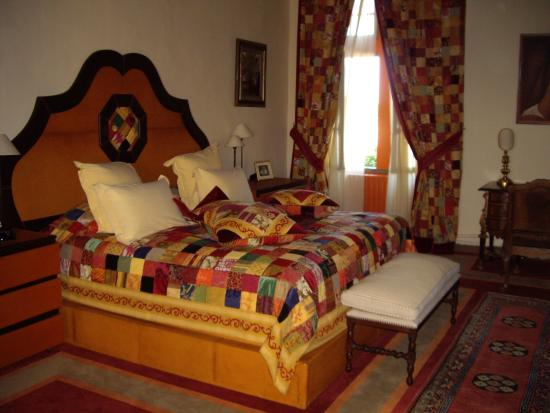 Hotel Pagy de Valbonne : bedroom of the hollywood stars