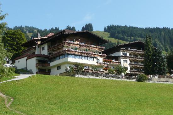 The hotel Kohlmais on it's little hill.