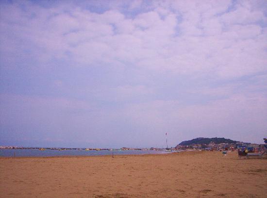 Cattolica, Italy: Beach Pic